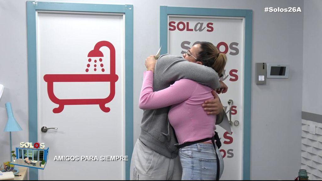 El abrazo más sincero de Óscar y Samira: demuestran que se conocen a la perfección y e llevan un diploma