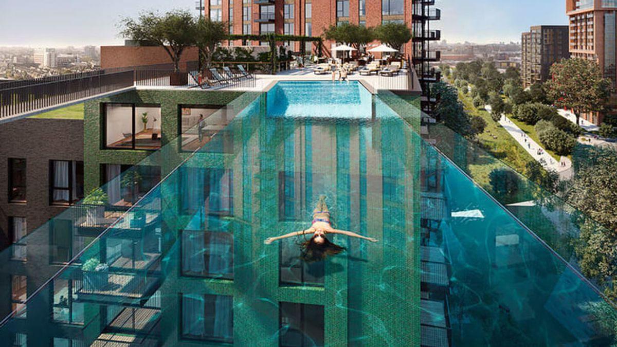 "Instalan una piscina transparente entre dos edificios a 30 metros de altura en Londres: ""Será como volar"""
