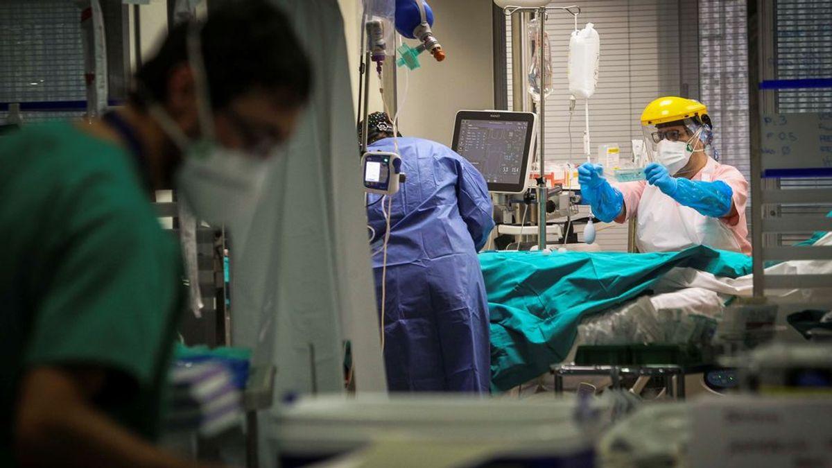 Última hora del coronavirus: 7.665 nuevos casos y 117 muertes más: la incidencia baja a 232