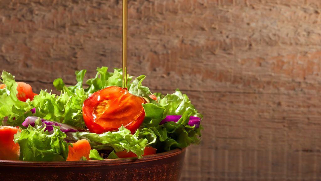Tres categorías de aceite de oliva que no pueden faltar en tu cocina: aprende a utilizar cada una según la receta