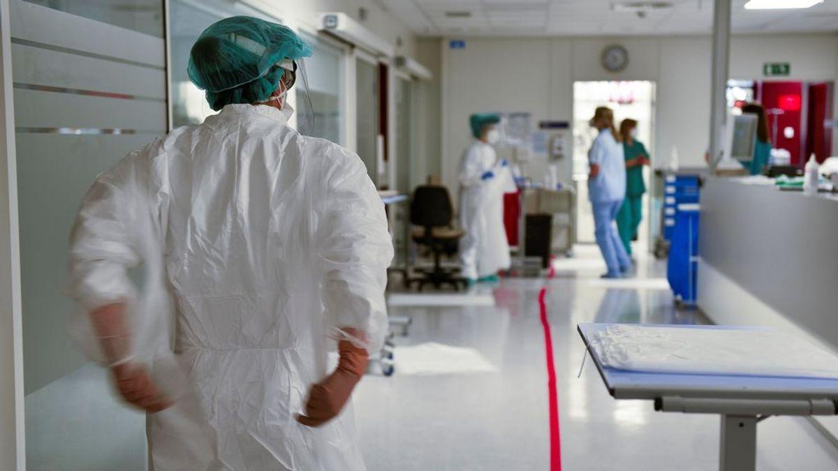 España suma 88 muertos y los hospitalizados por covid bajan a 9.985