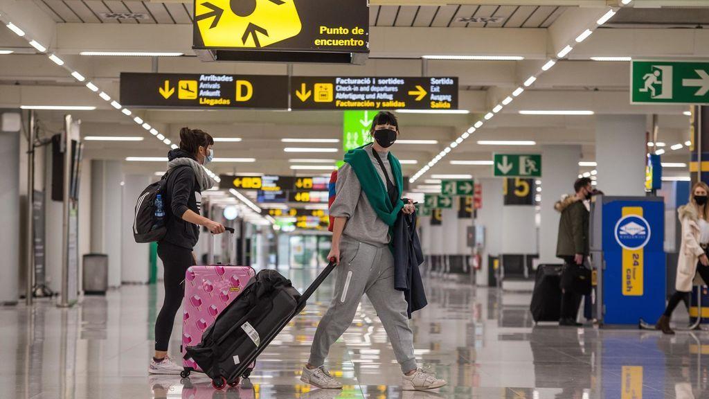 Reino Unido estudia que sus turistas viajen a Baleares y Canarias en mayo