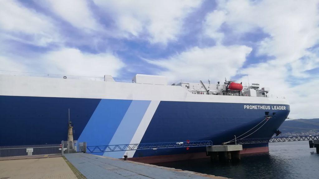 Confinan un barco en el puerto de Vigo por cinco marineros indios positivos de covid