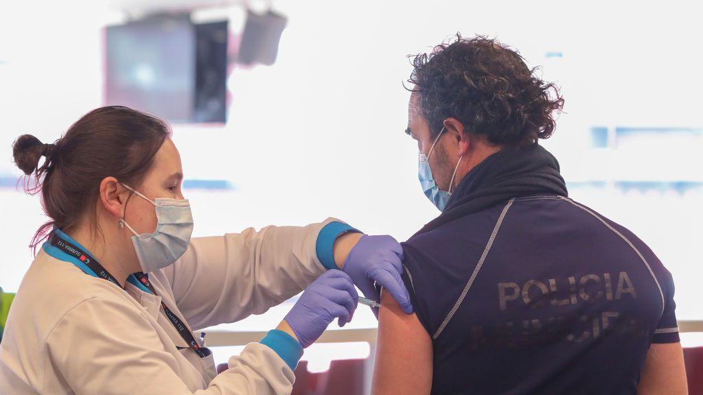 La Generalitat vacunará a los Policías y Guardias Civiles destacados en Cataluña desde el lunes