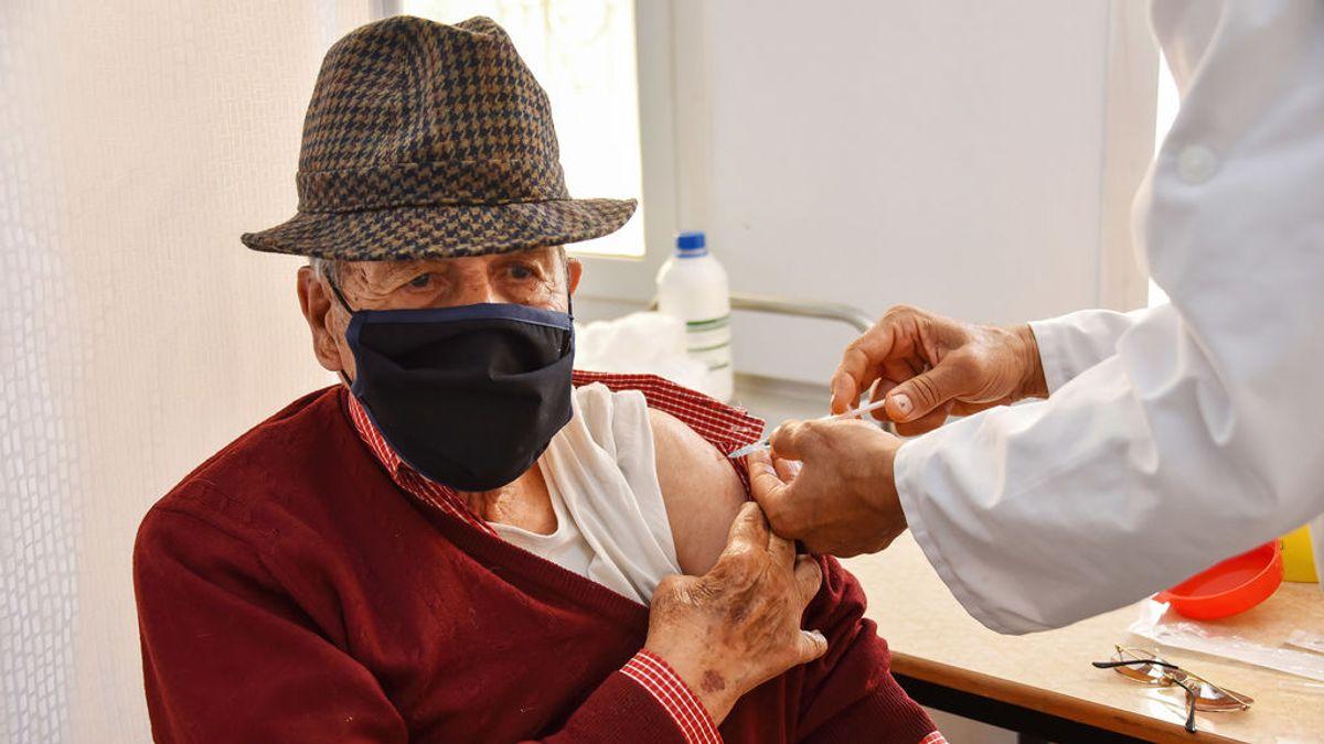 Un alemán es hospitalizado tras recibir una dosis cinco veces superior de la vacuna de Pfizer