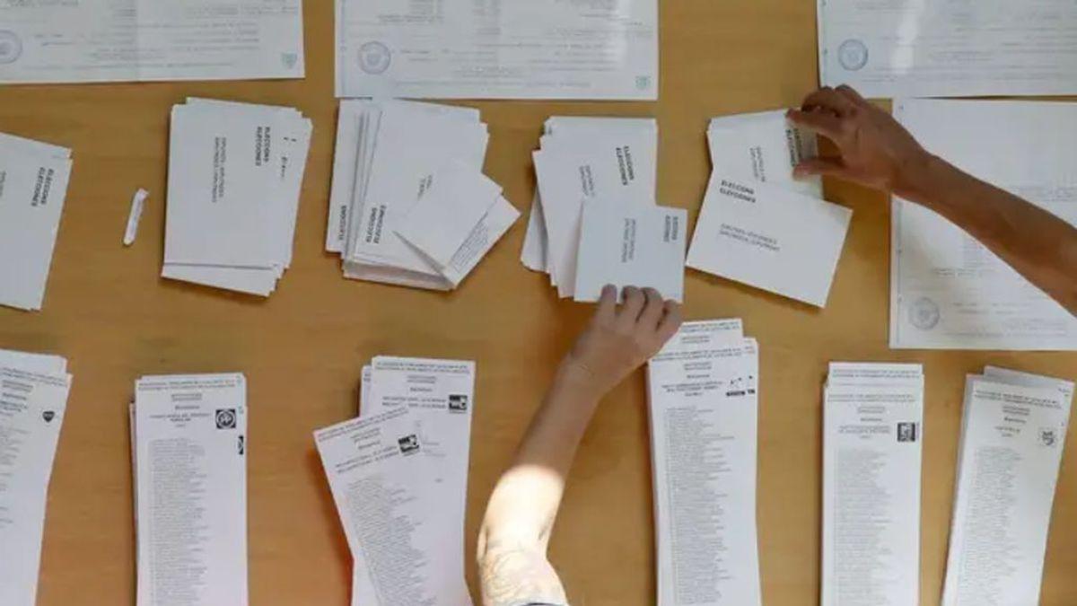 ¿A qué hora abren los colegios electorales en las elecciones de Madrid?