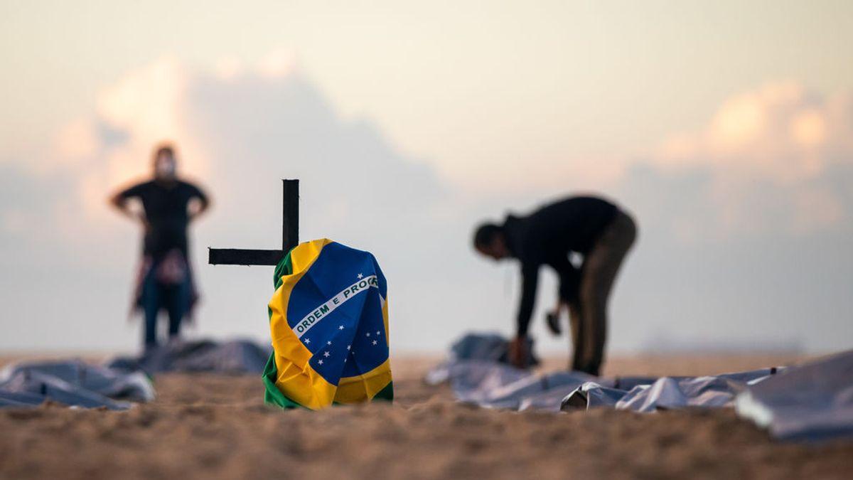 """Voces españolas en Brasil: """"Esto era una bomba de relojería y Bolsonaro ha sido el gran propagador de noticias falsas"""""""