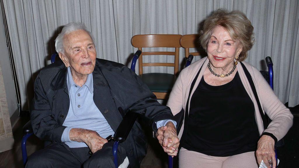 Muere a los 102 años Anne,  la viuda de Kirk Douglas