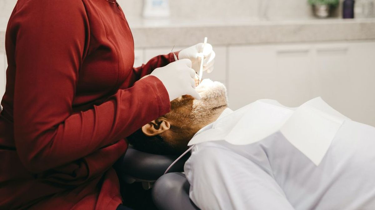 Ortodoncia invisible a los 50: todo lo que debes saber y te da cosa preguntar