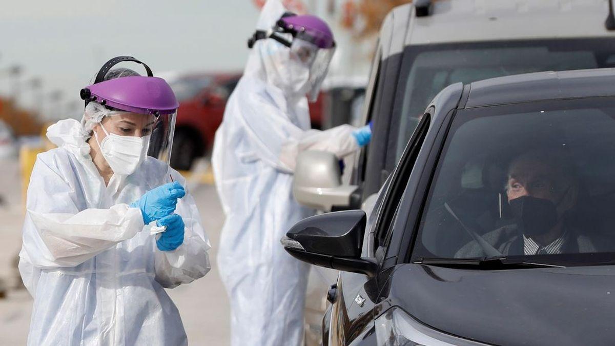 Madrid estabiliza los casos y los hospitalizados por covid bajan a 2.080
