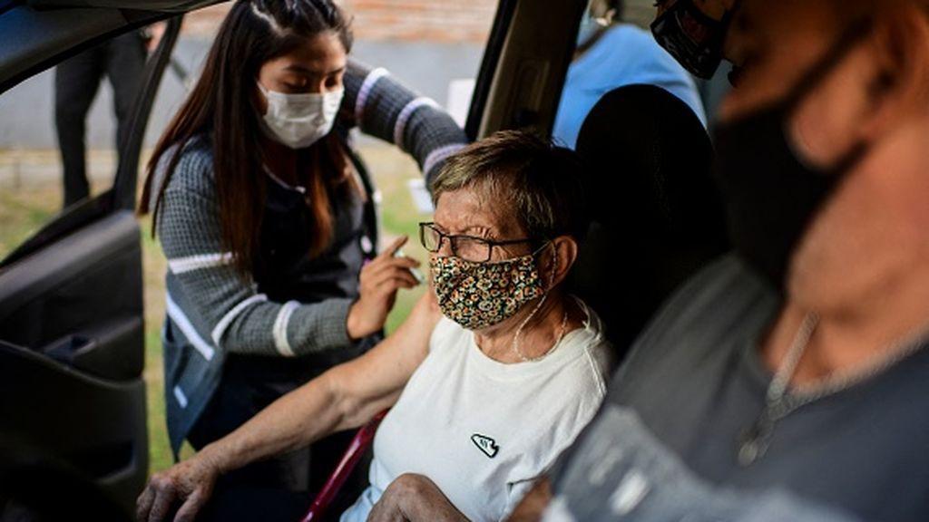 Argentina bate récord de fallecimientos diarios y prepara nuevas medidas de contención del virus
