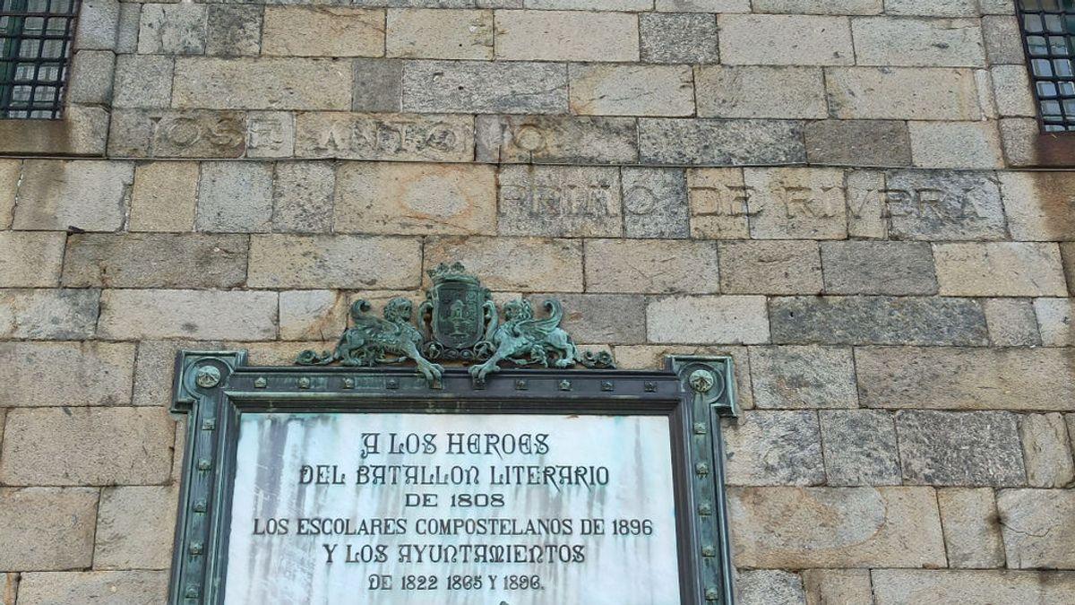 El Ayuntamiento de Santiago inicia los trámites para borrar a Primo de Rivera de una plaza emblemática