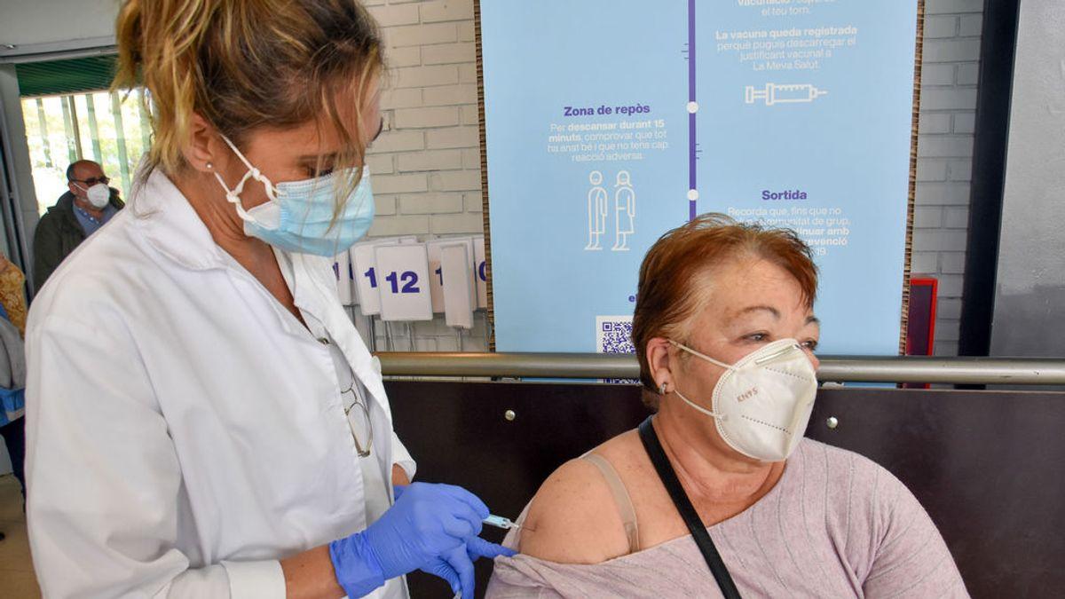 España se protege de la variante india mientras acelera el ritmo de vacunación