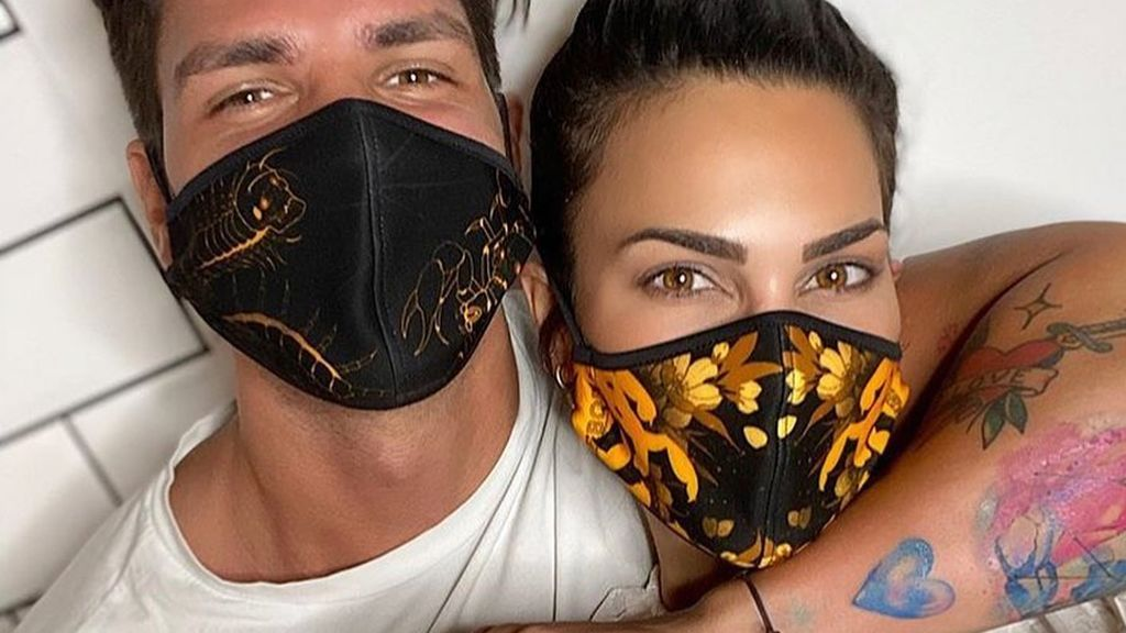 Carla Barber enseña orgullosa el tatuaje que se hizo con Diego Matamoros entre rumores de crisis