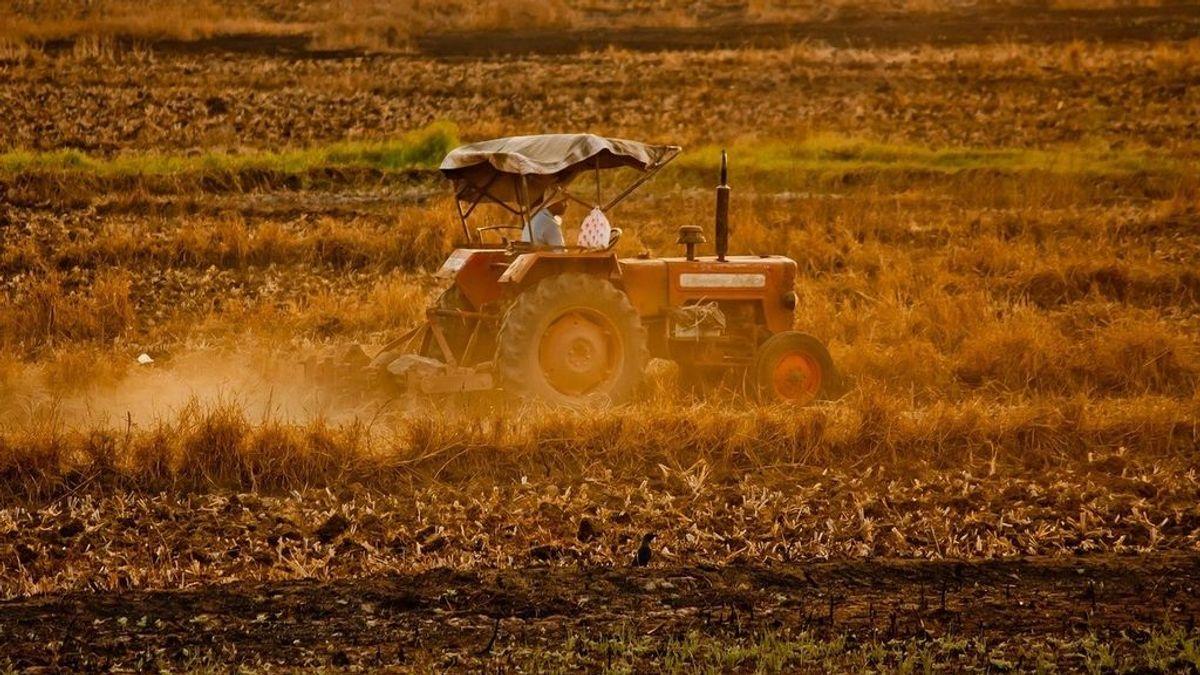 Un hombre de 79 muere al quedar atrapado por la rueda de un tractor