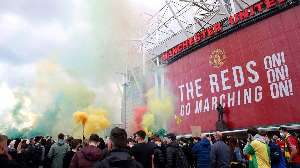 Se aplaza el Manchester United-Liverpool por la invasión de aficionados a Old Trafford