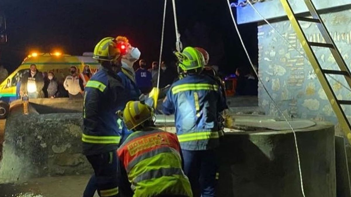 Rescatados los dos menores atrapados en un pozo de 7 metros de profundidad en Toledo
