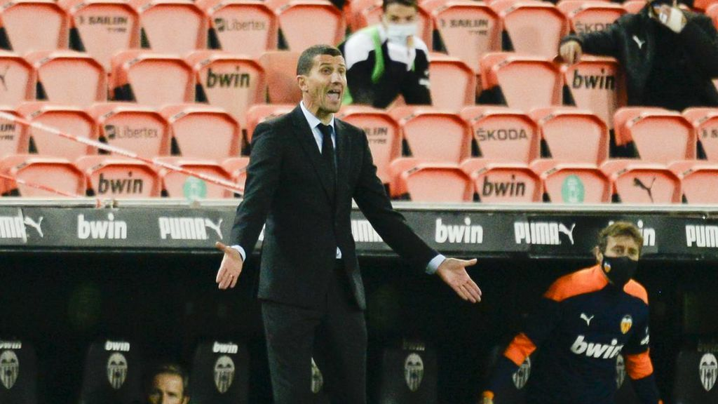 El Valencia destituye a Javi Gracia como técnico valencianista