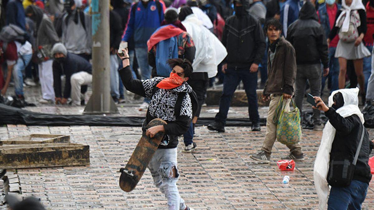 Convocan nuevas protestas en Colombia pese a la retirada de la reforma tributaria