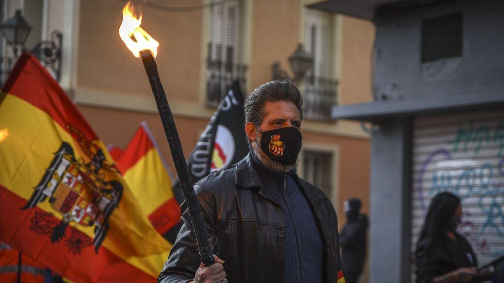 La policía investiga la agresión a un joven por un grupo neonazi en Valencia
