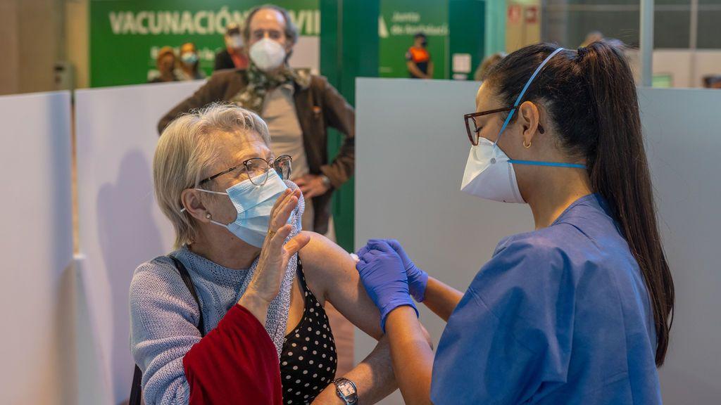 España supera los cinco millones de vacunados con la pauta completa