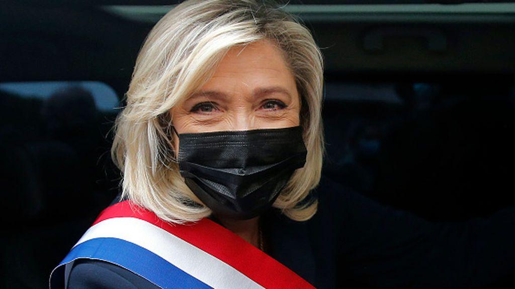 La Justicia francesa absuelve a Le Pen por difundir imágenes de víctimas de Estado Islámico