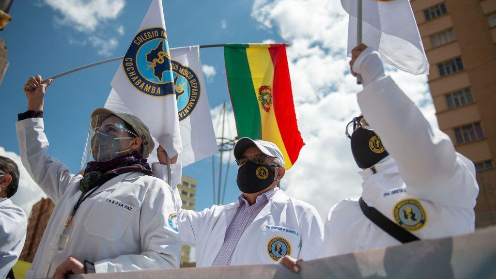 El gobierno de Bolivia se enfrenta a los médicos que anuncian mas protestas
