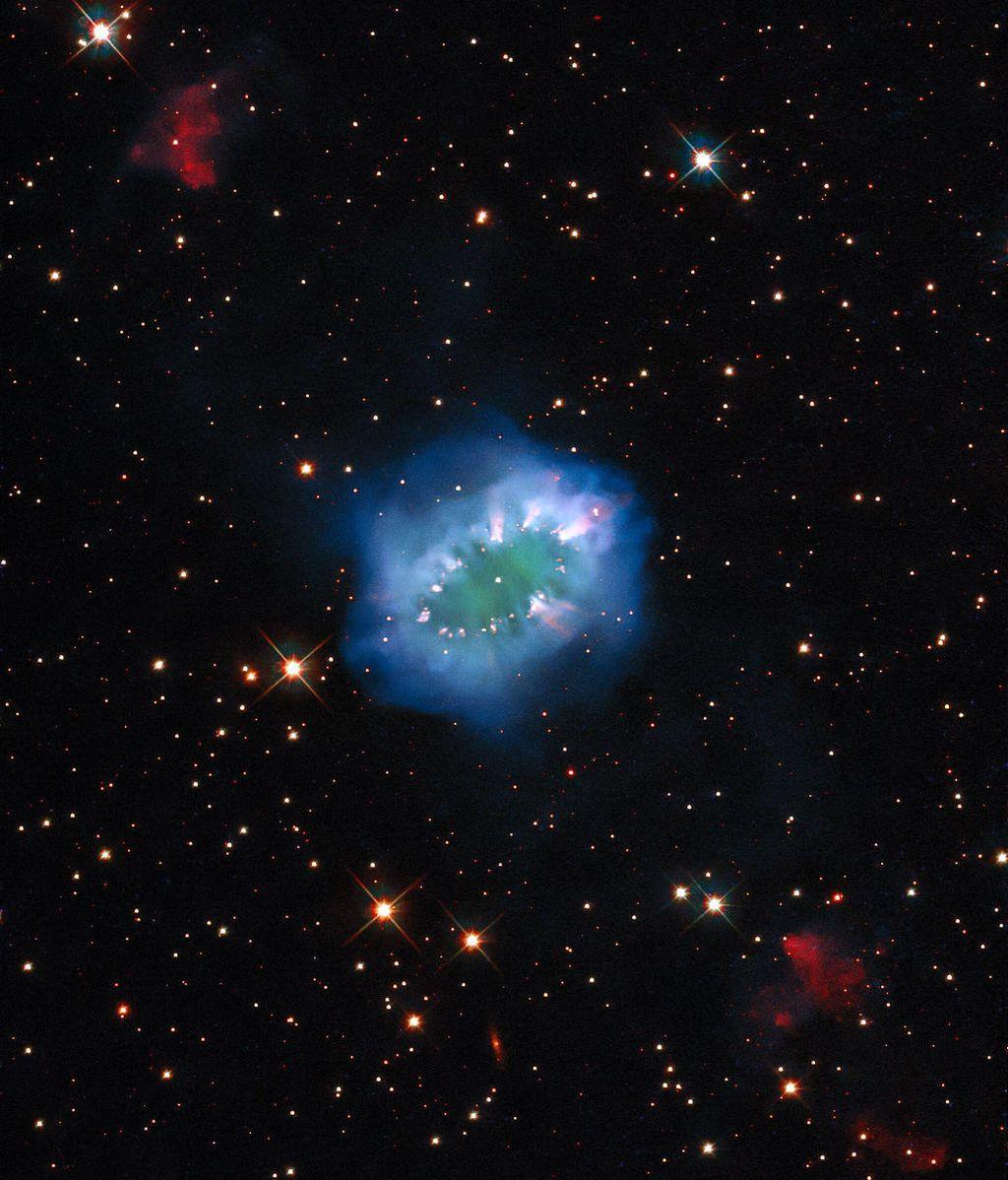 Hubble capta un espectacular 'collar cósmico' a 15.000 años luz de la Tierra