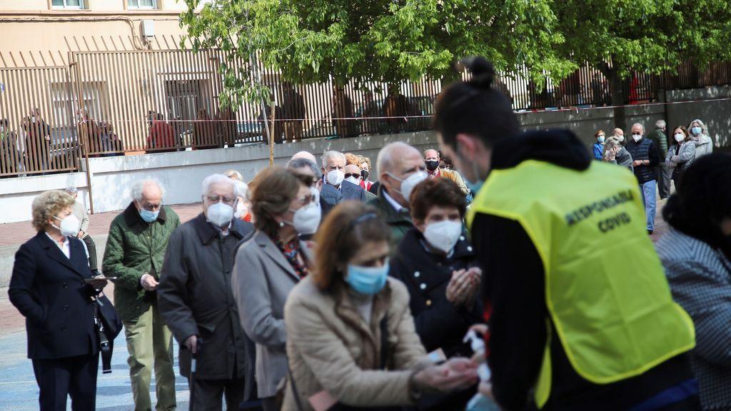 Medidas higiénicas por la pandemia de covid antes de acceder a un colegio