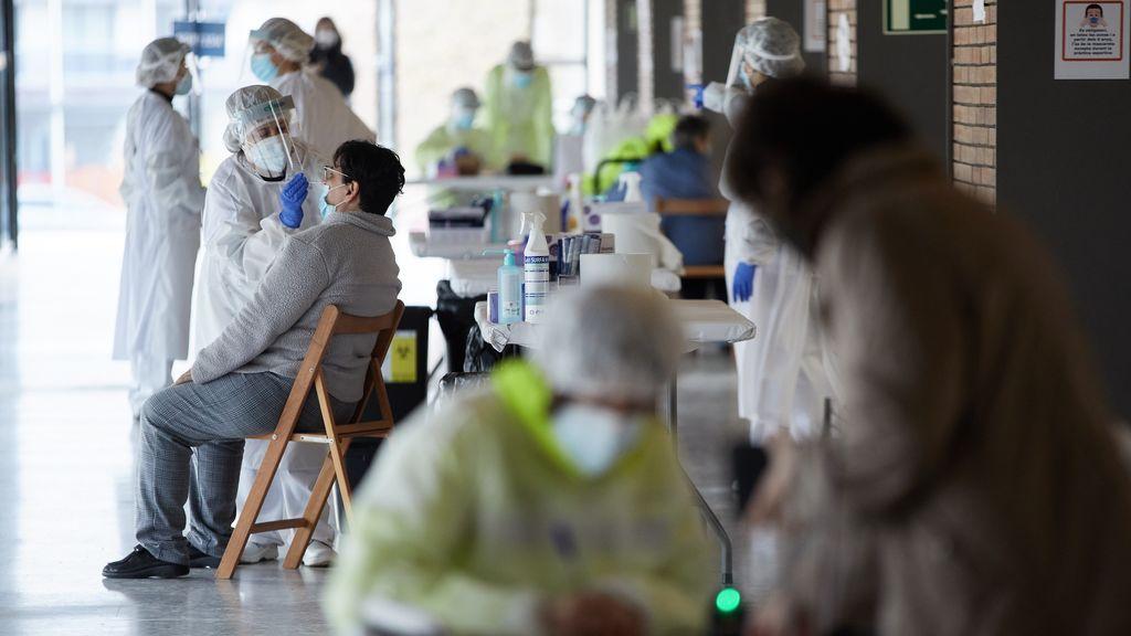 Madrid mantiene a la baja los casos pero suben los hospitalizados
