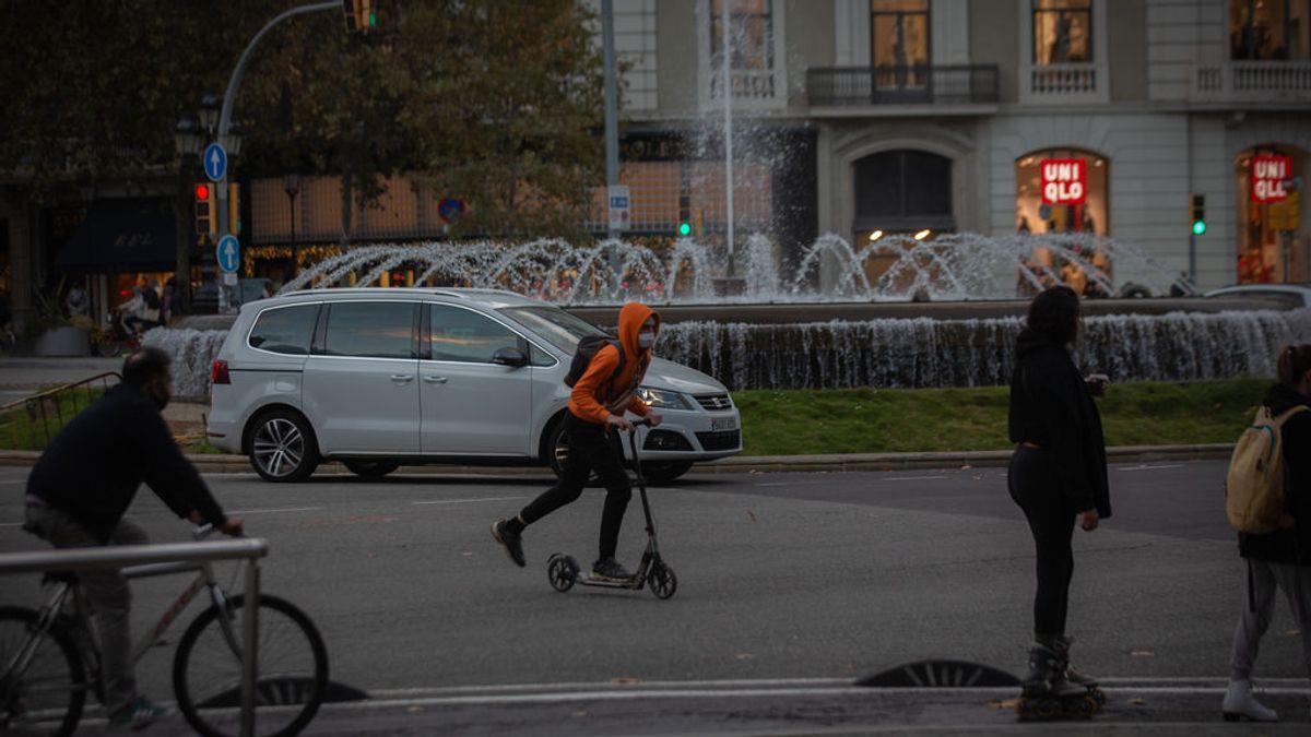 Récord de multas a patinetes eléctricos en Barcelona con 1.129 denuncias en una semana