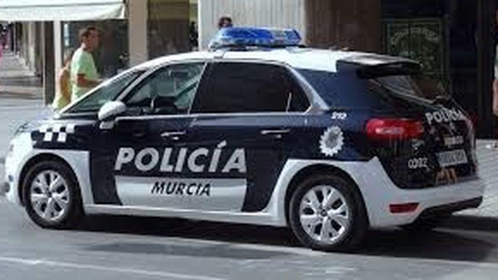 """Una menor denuncia en Murcia a un amigo que le obligó a firmar un contrato de """"sumisión sexual"""""""