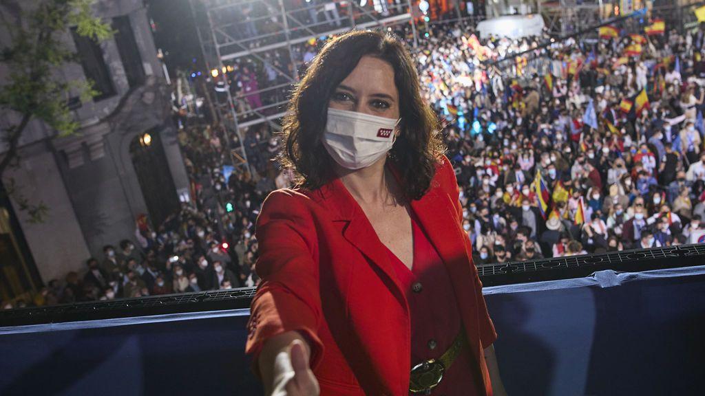 La victoria de Ayuso revoluciona los cálculos electorales de PP y PSOE