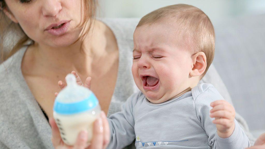¿Qué hago si mi bebé no quiere el biberón tras la lactancia? Así podrás destetarle sin frustración ni complicaciones.
