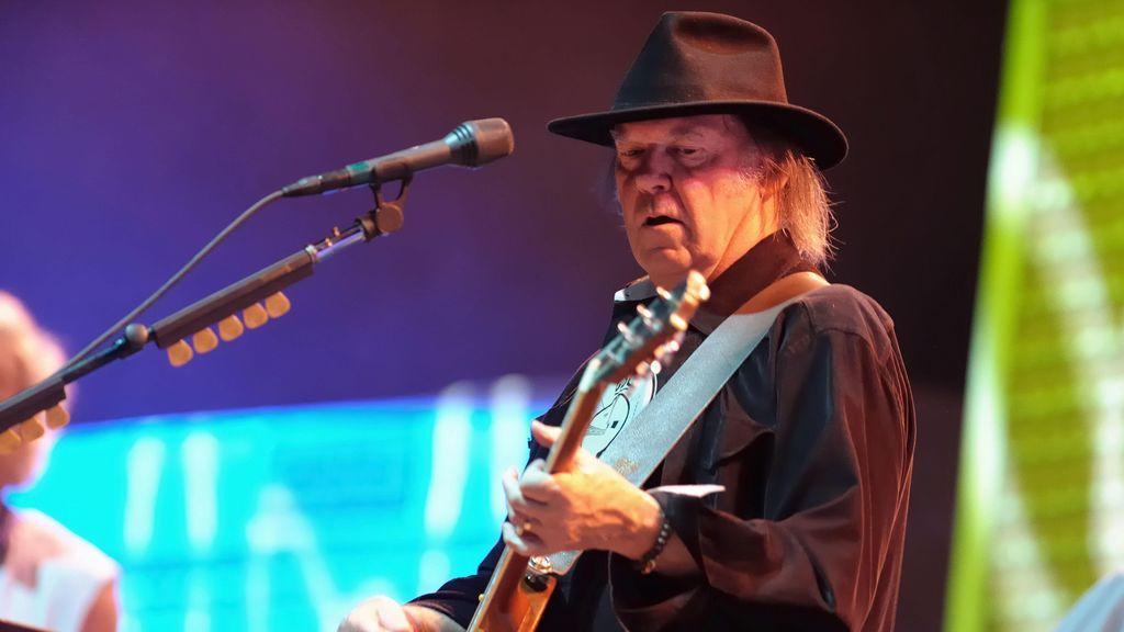 Bob Dylan o Neil Young: ¿por qué las grandes estrellas están vendiendo los derechos de sus canciones?