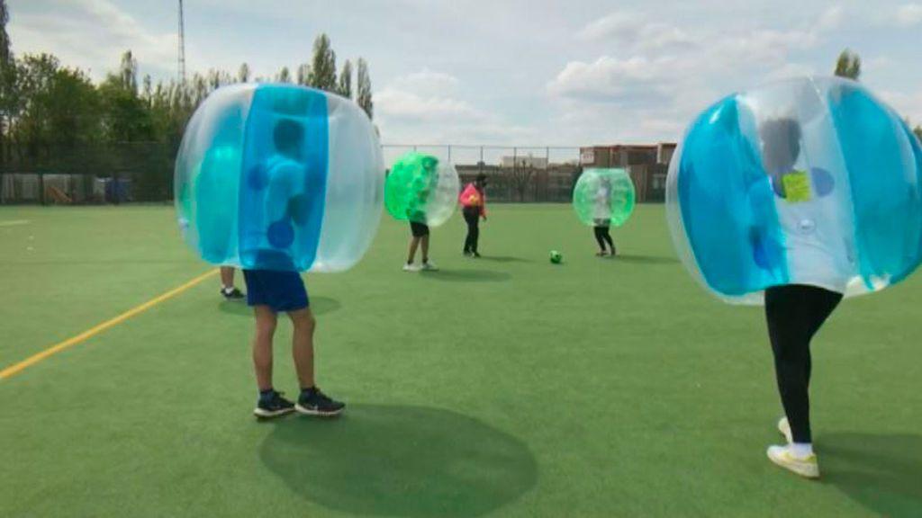 'Bubble Foot' o cómo jugar al fútbol anti-covid