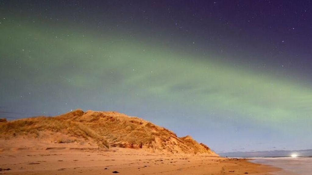Descubren un nuevo tipo de aurora boreal en forma de duna: así se crea