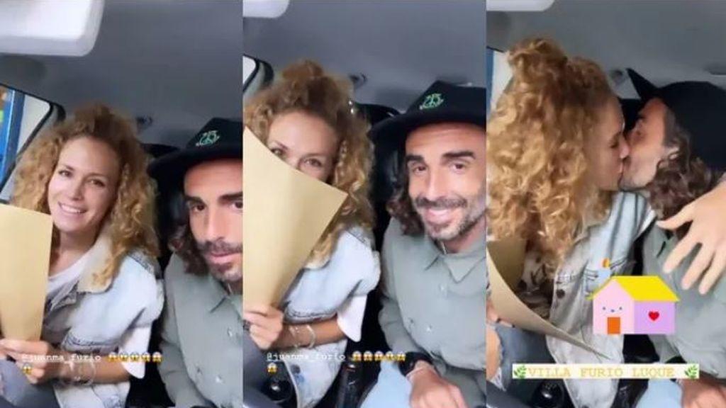 La pareja cuando comunicó la noticia de la compra de su nueva casa