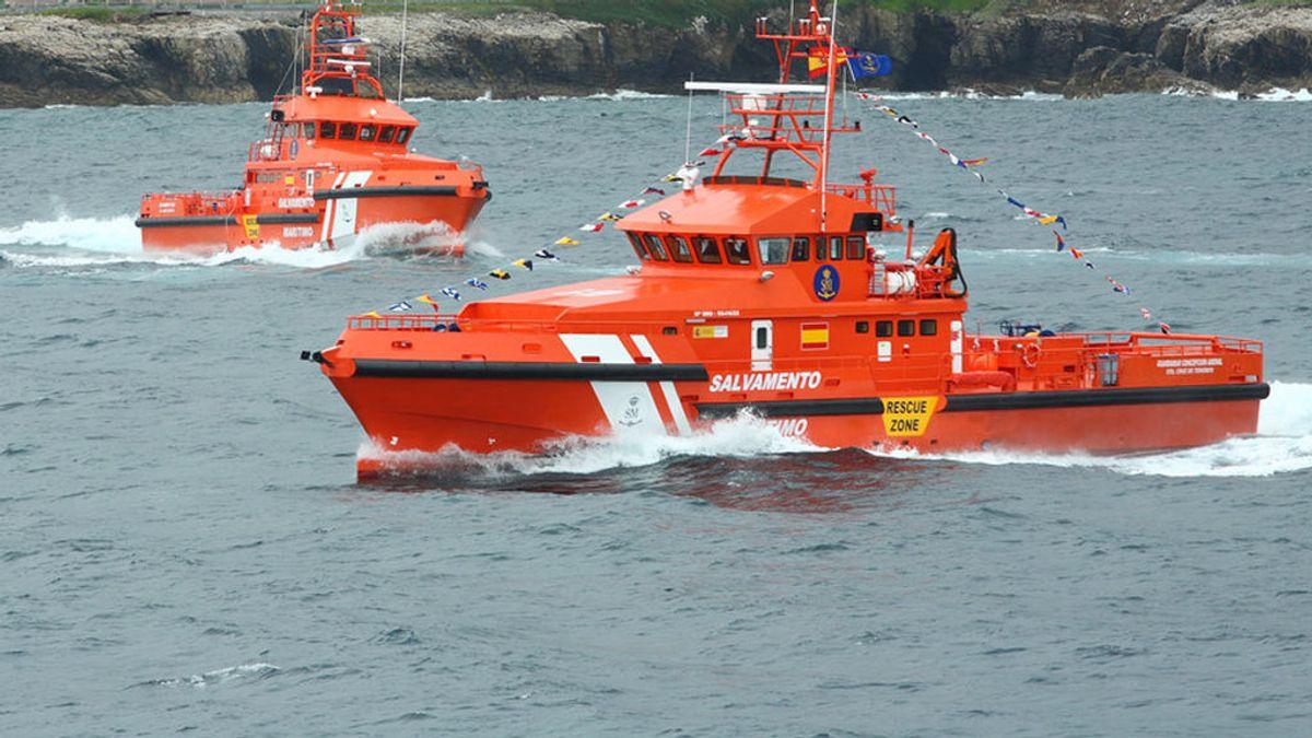 Un helicóptero cae al mar en Sotogrande, Cádiz: hay un herido y un desaparecido