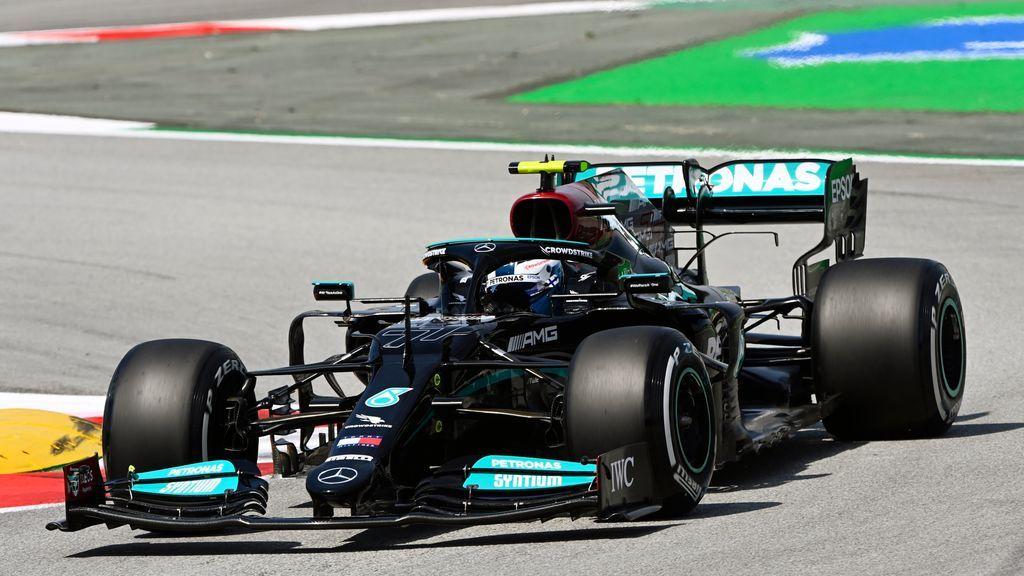 Bottas domina los primeros entrenamientos en Montmeló: Alonso y Sainz probaron distintas estrategias