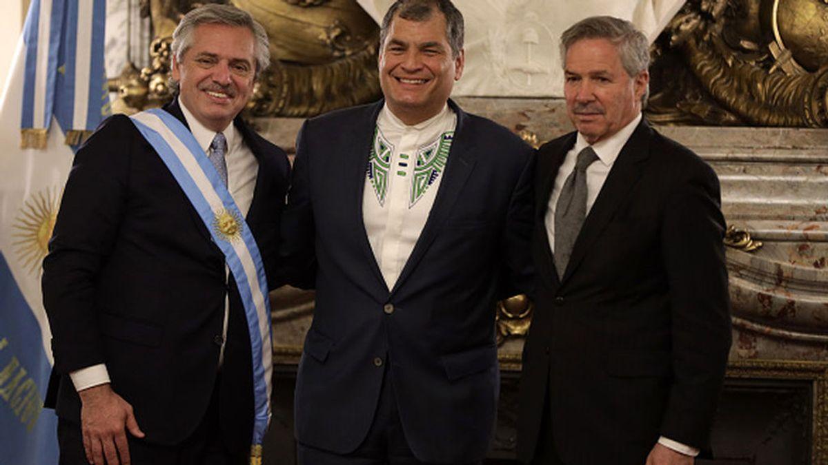 El máximo tribunal de Ecuador recurre a la Interpol para ubicar al expresidente Rafael Correa