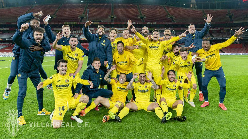 Los jugadores del Villareal celebran el pase a la final.