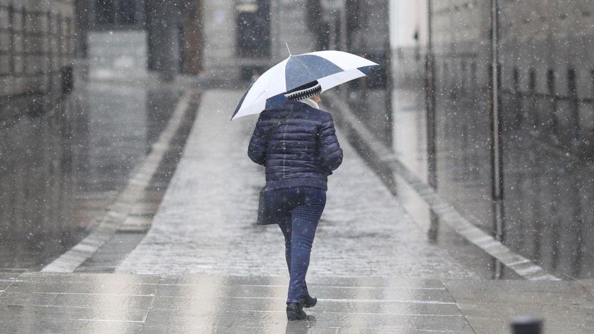 Nieve y heladas de camino a España por una potente borrasca: cuándo y dónde afectará más