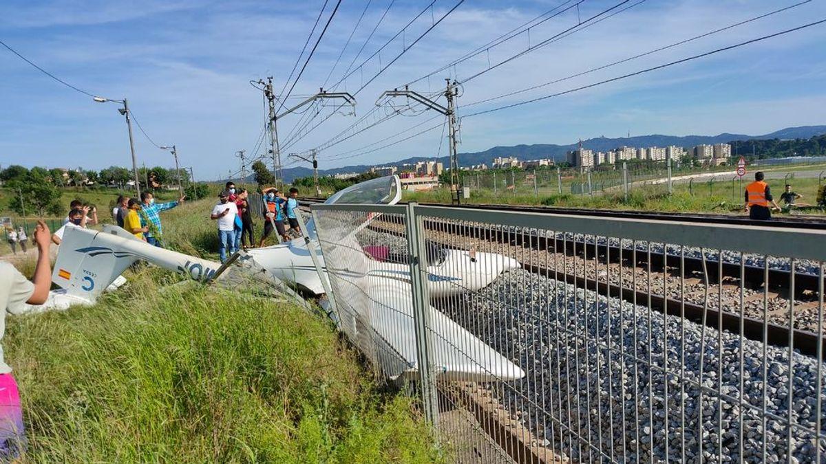 Se estrella una avioneta en las vías de tren en Sabadell, cerca del aeropuerto