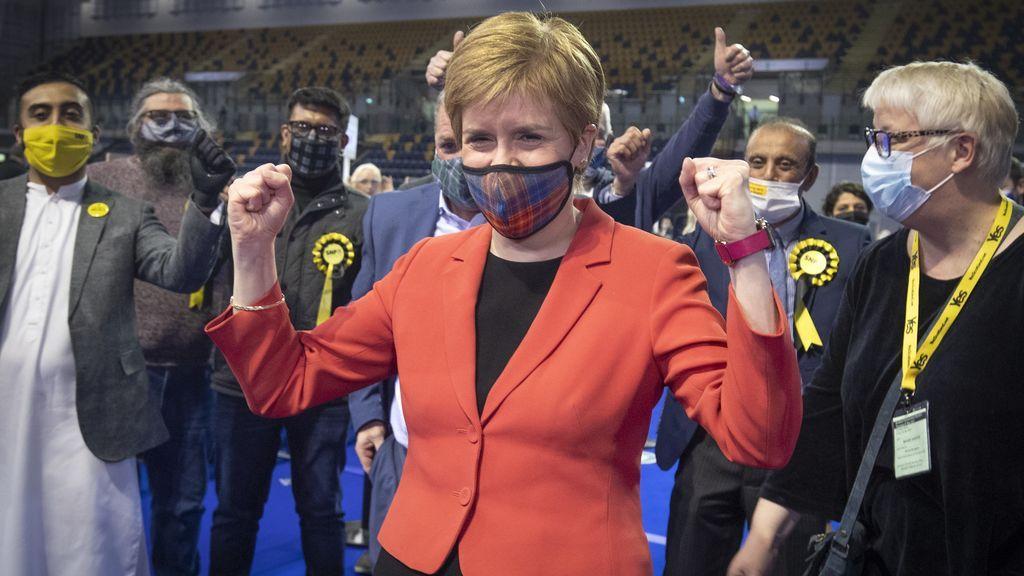 El SNP se acerca a la mayoría en los comicios escoceses y abre la posibilidad de un nuevo referéndum de independencia