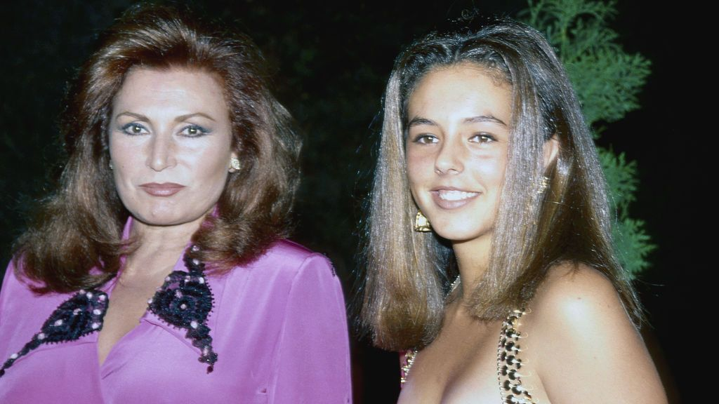 Rocío Jurado con su hija, Rocío Carrasco (1977)