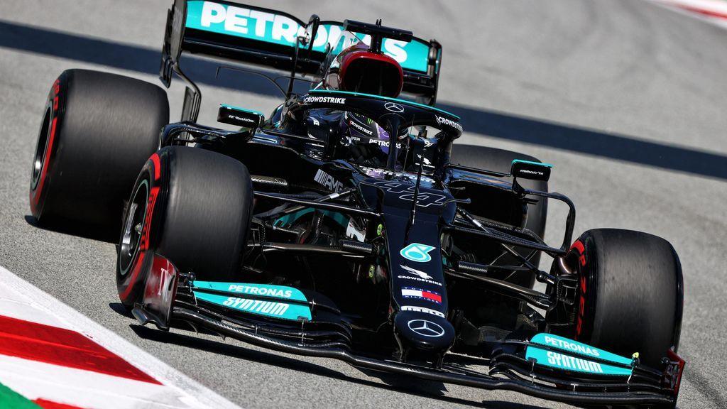 Hamilton se lleva la pole en Montmeló: Sainz, sexto y Alonso, décimo