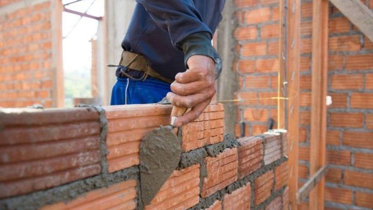 Alemania quiere albañiles españoles: ofrece a los obreros un sueldo de 2.600 euros al mes
