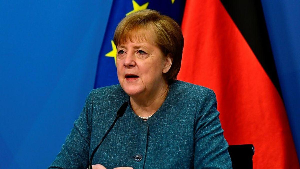 Merkel se reafirma en su opinión de que hay más riesgos que beneficios en liberalizar las patentes de las vacunas