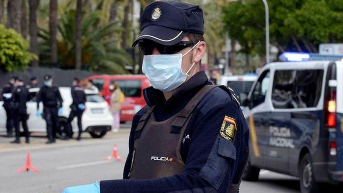 Cuatro policías heridos y 16 personas detenidas en una concentración contra el toque de queda en Palma